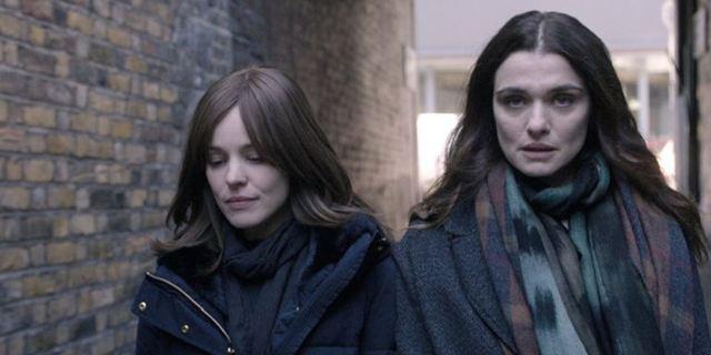 """Die Liebe zwischen Rachel Weisz und Rachel McAdams ist eine Sünde im Trailer zum Coming-Out-Drama """"Disobedience"""""""