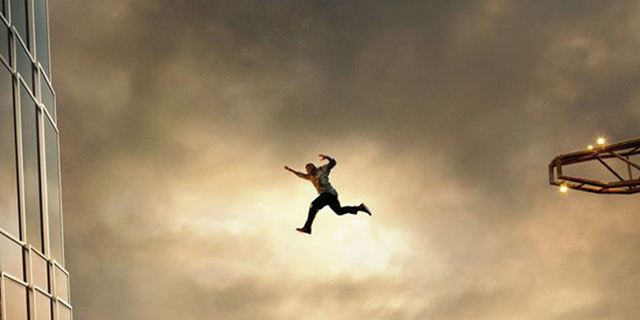 """Dwayne Johnson erklimmt den """"Skyscraper"""": Erster schwindelerregender Trailer zum Action-Blockbuster"""