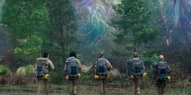 """""""Auslöschung"""": Schicke Bilder zum kommenden Netflix-Sci-Fi-Kracher"""