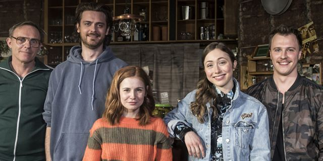 """Neue Sitcom """"Nix Festes"""" ab heute auf ZDFneo: Chaos und Turbulenzen in einer Kreuzberger WG"""