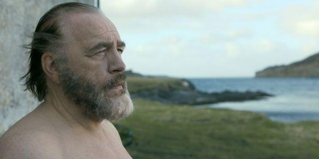 """Deutscher Trailer zur Bestseller-Verfilmung """"Das etruskische Lächeln"""" mit Brian Cox"""