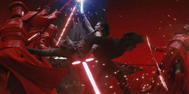 """Eine Minute pure """"Star Wars""""-Magie und Snoke ohne CGI: Zwei Videos steigern Vorfreude auf """"Star Wars 8""""-Heimkinostart"""