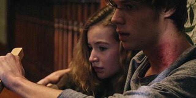 """""""Family Blood"""": Trailer zum Vampirfilm, der schon nächste Woche auf Netflix startet"""