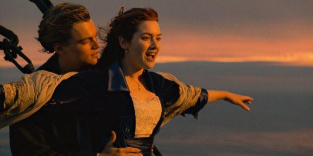 """Achtung, Eisberg voraus: Kinokette veranstaltet """"Titanic""""-Vorführung auf einem Kreuzfahrtschiff"""