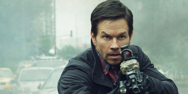 """Mark Wahlberg als Geist und """"The Raid""""-Star Iko Uwais im ersten Trailer zum Action-Thriller """"Mile 22"""""""