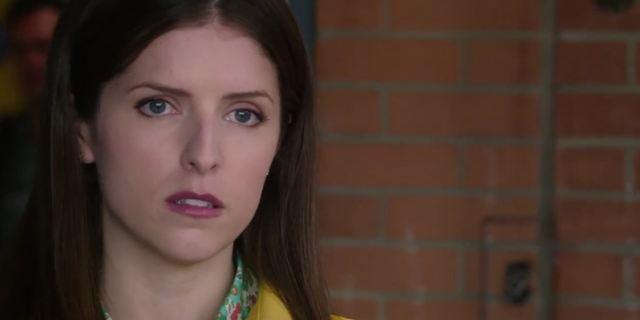 """Anna Kendrick sucht die verschwundene Blake Lively im neuen deutschen Trailer zum Thriller """"Nur ein kleiner Gefallen"""""""