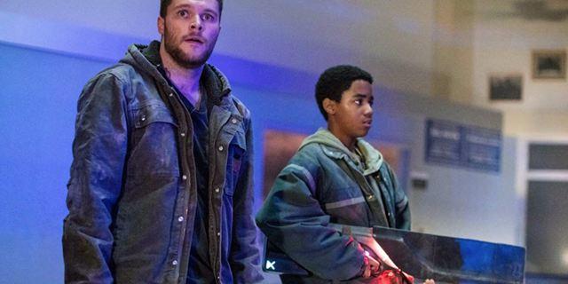 """Alien-Knarren und James Franco als Gangsterboss: Erster deutscher Trailer zum Sci-Fi-Actioner """"Kin"""""""