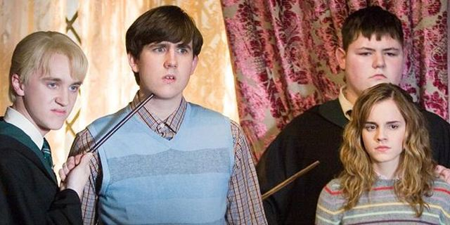 Neville Longbottom sieht unglücklich aus: Tom Felton macht seinen Co-Star zum Slytherin