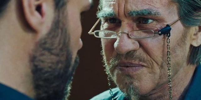"""Im Trailer zum Mystery-Thriller """"The Super"""" entdeckt Val Kilmer ein grausames Geheimnis"""