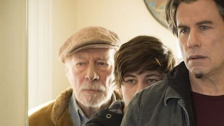 """Drei Generationen, ein Verbrechen: John Travolta, Christopher Plummer & Tye Sheridan auf erstem Bild zu """"The Forger"""""""