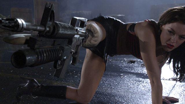 Peniskanone, Schallplatten und Karotten: Die 20 absurdesten Waffen in Filmen