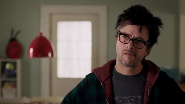 "Green-Day-Frontmann Billie Joe Armstrong als Ex-Rocker und Familienvater: Erster Trailer zu ""Ordinary World"""