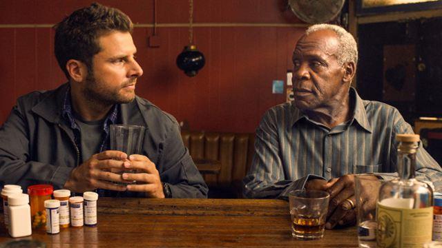"""""""Pushing Dead"""": Danny Glover und James Roday im Trailer zur Kino-Tragikomödie"""
