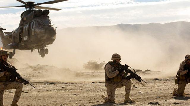 """Es regnet Helikopter in """"Rescue Under Fire"""": Deutscher Trailer zum spanischen """"Black Hawk Down"""""""