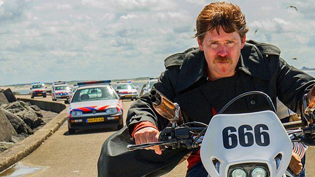 """Das neue Projekt der """"New Kids""""-Macher: Trailer zur Anarcho-Komödie """"Der Low-Budget-Stuntman"""""""