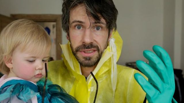 """Zuerst bei uns: Der erste Trailer zur Impf-Doku """"Eingeimpft - Familie mit Nebenwirkungen"""""""