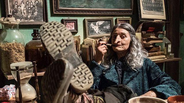 """Magie unterm Tannenbaum: Deutsche Trailer zu """"Unsere Lehrerin, die Weihnachtshexe"""""""
