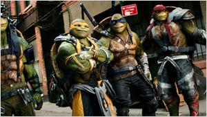 """Arrow""-Star Stephen Amell und Megan Fox auf neuem Poster zu ""Teenage Mutant Ninja Turtles 2"""