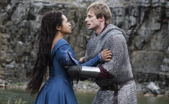 Merlin Die Neuen Abenteuer Bild Angel Coulby Bradley