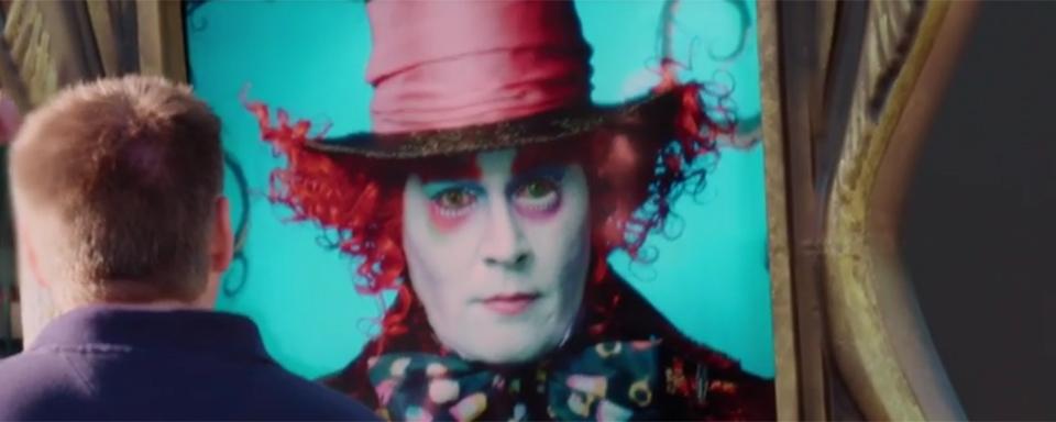 Video Johnny Depp überrascht Disneyland Besucher Als Verrückter