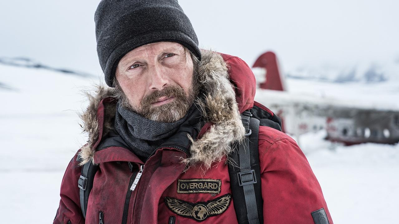 """Im deutschen Trailer zu """"Arctic"""" kämpft Mads Mikkelsen im ewigen Eis ums Überleben"""