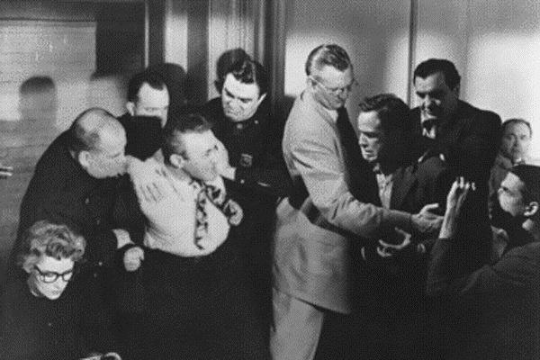 Die Faust im Nacken : Bild Elia Kazan, Lee J. Cobb, Marlon Brando
