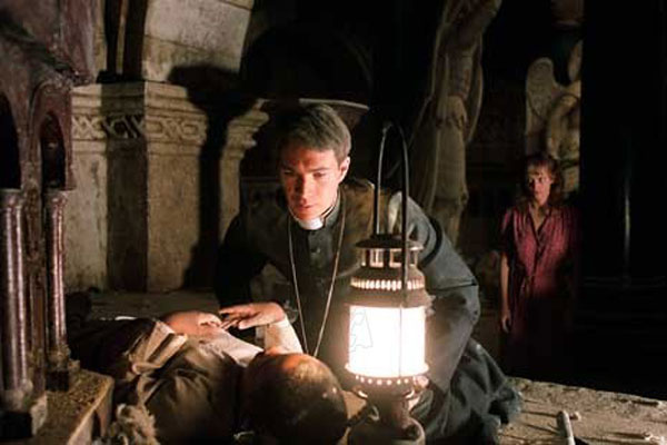 Exorzist: Der Anfang : Bild James d'Arcy, Remy Sweeney, Renny Harlin