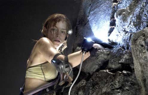 The Cave: Bruce Hunt, Piper Perabo
