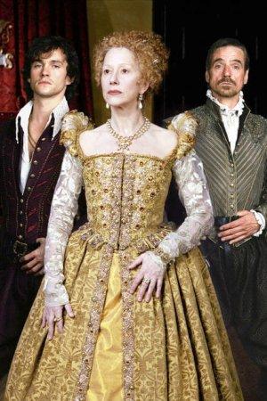 Elizabeth I : Bild Helen Mirren, Hugh Dancy, Jeremy Irons