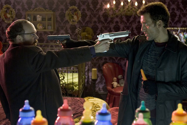 Shoot 'Em Up : Bild Clive Owen, Michael Davis, Paul Giamatti