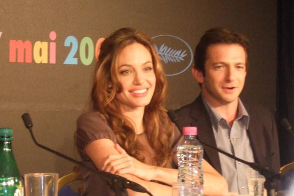 Ein mutiger Weg : Bild Angelina Jolie, Dan Futterman, Michael Winterbottom
