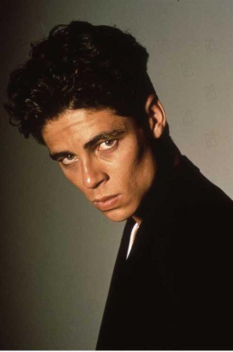 James Bond 007 - Lizenz zum Töten : Bild Benicio Del Toro, John Glen