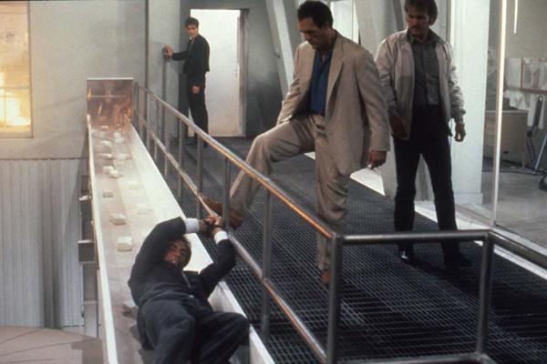 James Bond 007 - Lizenz zum Töten : Bild Benicio Del Toro, Guy De Saint Cyr, John Glen, Robert Davi, Timothy Dalton