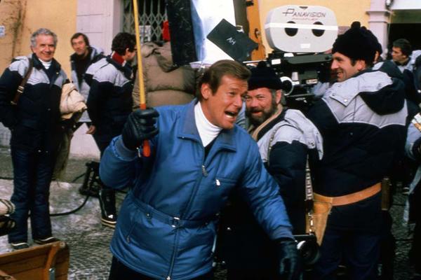 James Bond 007 - In tödlicher Mission : Bild John Glen, Roger Moore