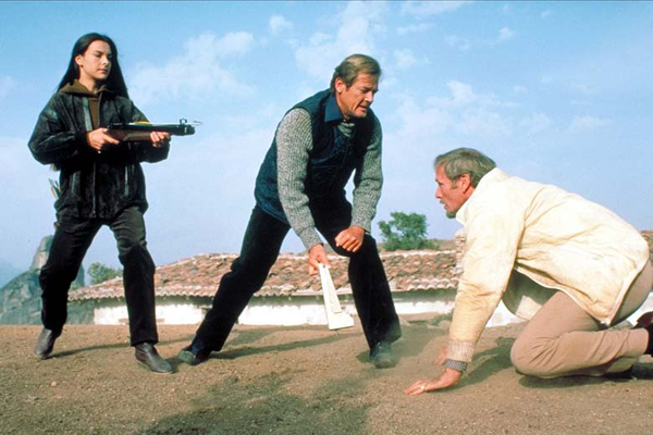 James Bond 007 - In tödlicher Mission : Bild Carole Bouquet, John Glen, Julian Glover, Roger Moore