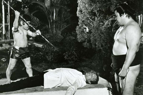 James Bond 007 - Der Mann mit dem goldenen Colt : Bild Hervé Villechaize, Roger Moore