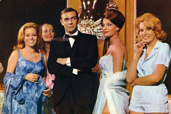 James Bond 007 - Feuerball : Bild Claudine Auger, Luciana Paluzzi, Martine Beswick, Molly Peters, Sean Connery