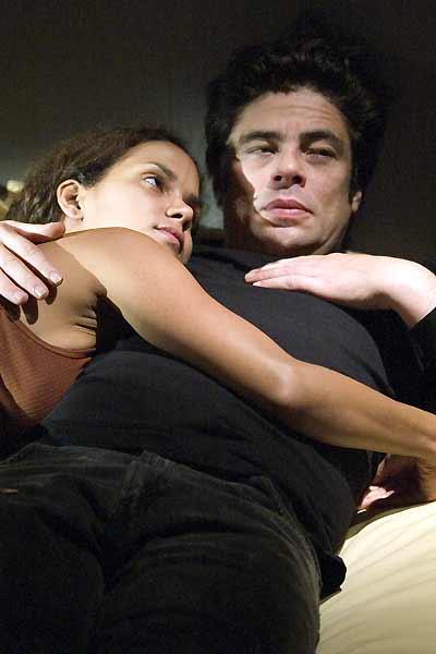 Eine neue Chance : Bild Benicio Del Toro, Halle Berry