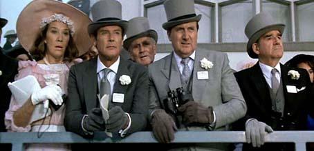 James Bond 007 - Im Angesicht des Todes : Bild John Glen, Patrick Macnee, Roger Moore