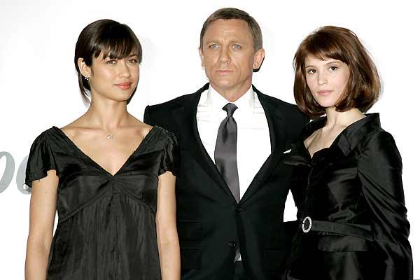 Bild Zu Gemma Arterton James Bond 007 Ein Quantum Trost Bild