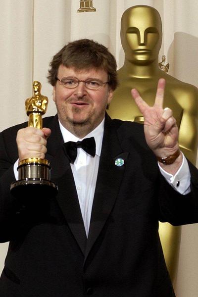 Manufacturing Dissent : Vignette (magazine) Michael Moore