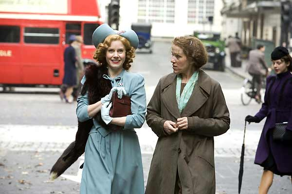 Miss Pettigrews großer Tag : Bild Amy Adams, Bharat Nalluri, Frances McDormand