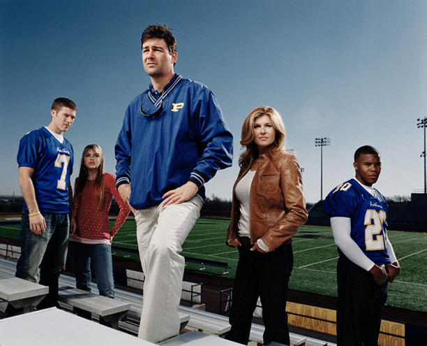 Friday Night Lights : Bild Aimee Teegarden, Connie Britton, Gaius Charles, Kyle Chandler, Zach Gilford