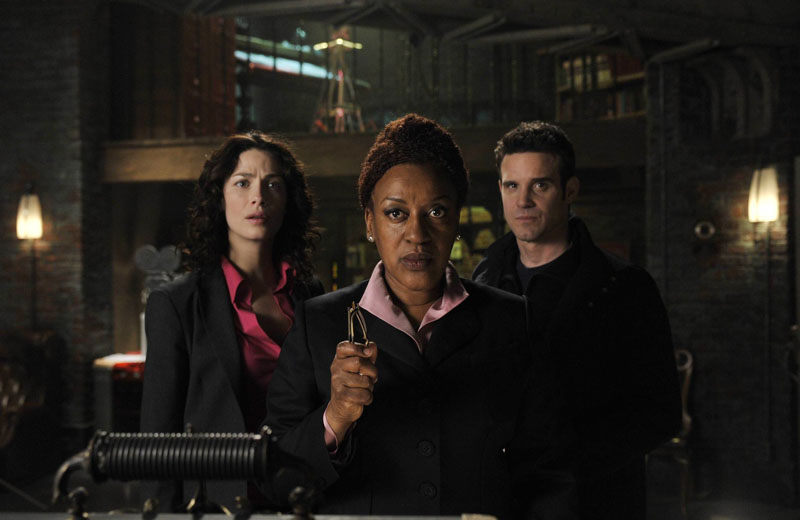 Warehouse 13 : Bild CCH Pounder, Eddie McClintock, Joanne Kelly