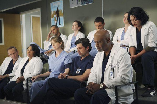 Grey's Anatomy - Die jungen Ärzte : Bild Chandra Wilson, Chyler Leigh, Ellen Pompeo, James Pickens Jr., Jesse Williams