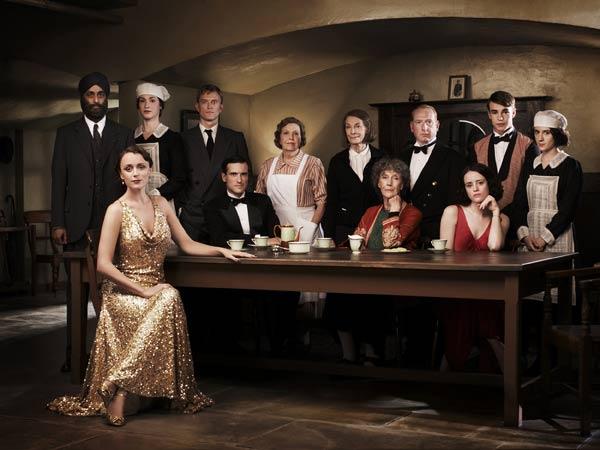 Upstairs Downstairs (2010) : Bild Adrian Scarborough, Anne Reid, Art Malik, Claire Foy, Ed Stoppard