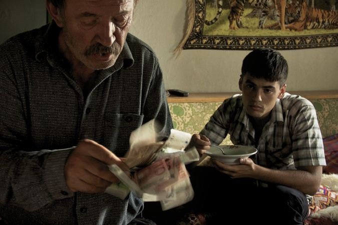 Der Albaner : Bild Nik Xhelilaj, Xhejlane Terbunja