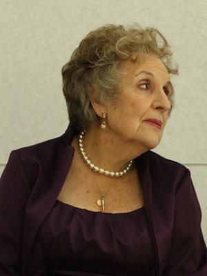 Kinoposter Doreen Mantle