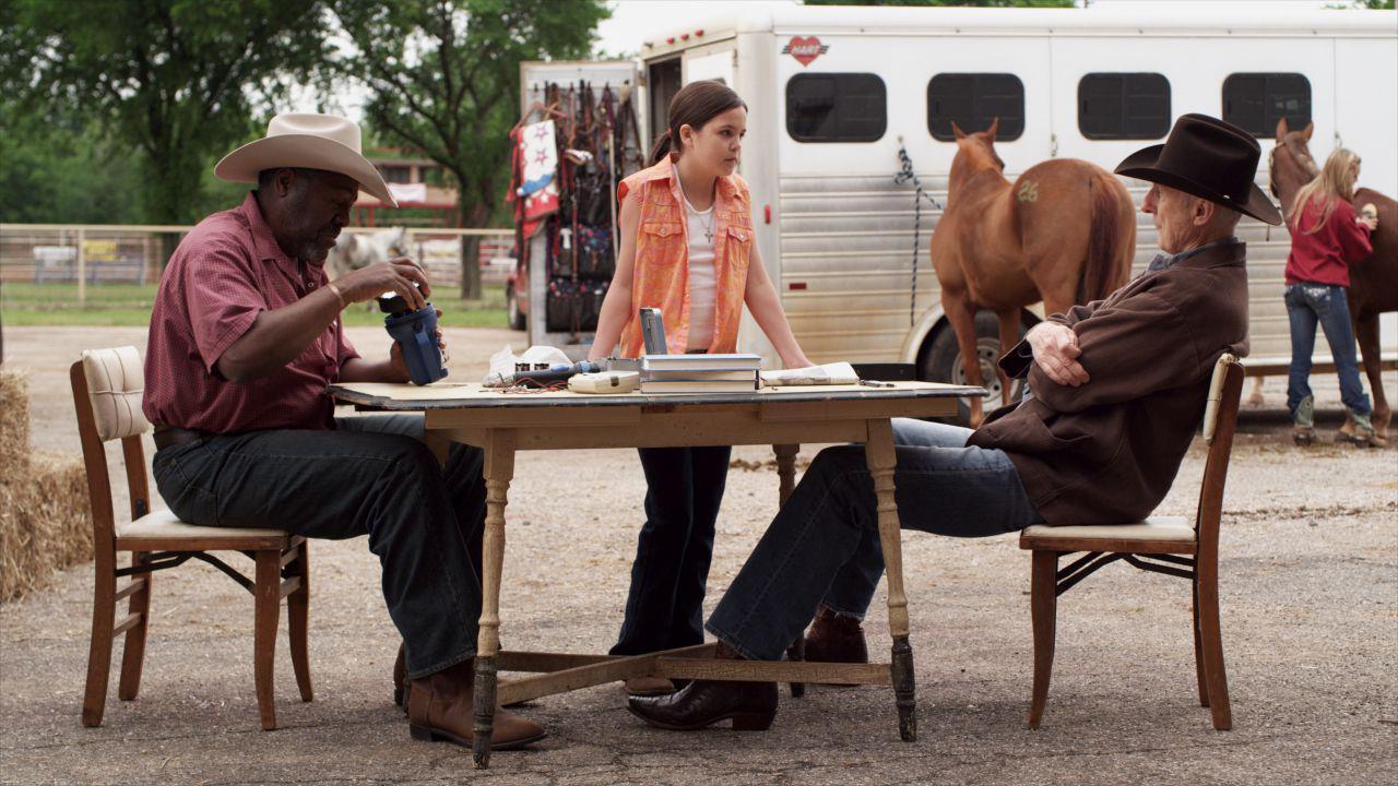 Cowgirls and Angels - Ein himmlisches Pferdeabenteuer : Bild Bailee Madison, James Cromwell