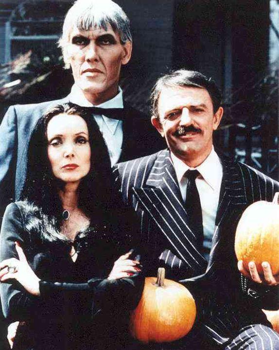 Die Addams Family : Bild Carolyn Jones, John Astin, Ted Cassidy
